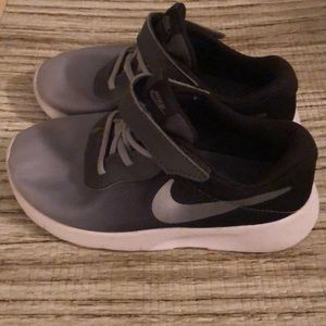 NIKE Toddler Tanjun Shoes